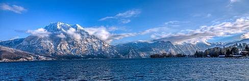 Traunsee mit Traunstein im Winter